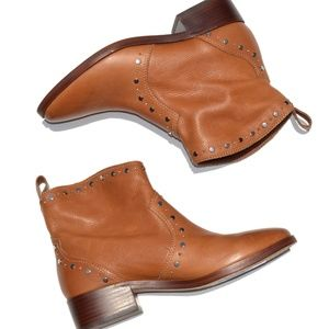 Dolce Vita Studded Ankle Bootie Size 9.5